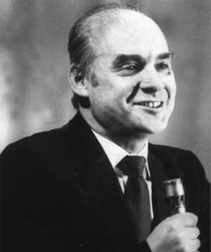 советский поэт Николай Добронравов