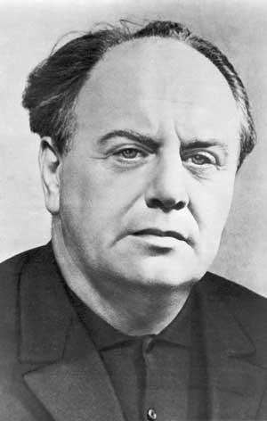 советский поэт Евгений Долматовский