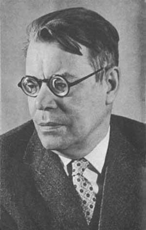 Советский поэт Михаил Исаковский