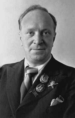 советский поэт Василий Лебедев-Кумач