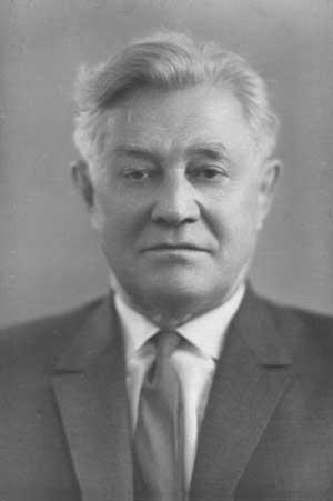 советский поэт Алексей Сурков