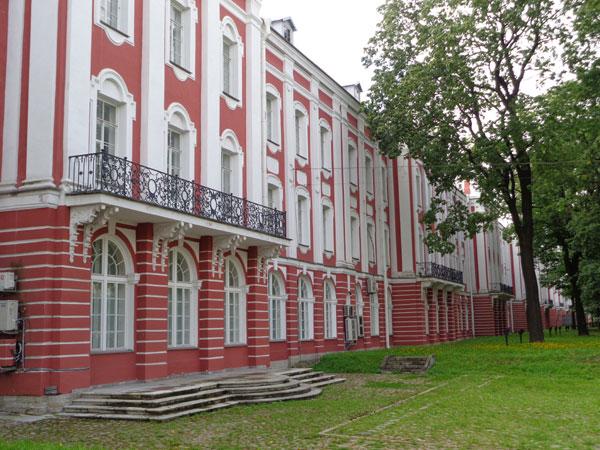 Васильевский остров. Здание Двенадцати коллегий. Фото В. Пятинина